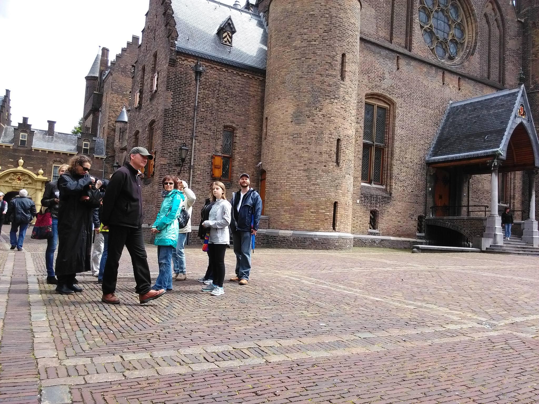 Onder leiding van onze gids Hans Uljée een interessante stadswandeling gemaakt op 18 juni 2016.